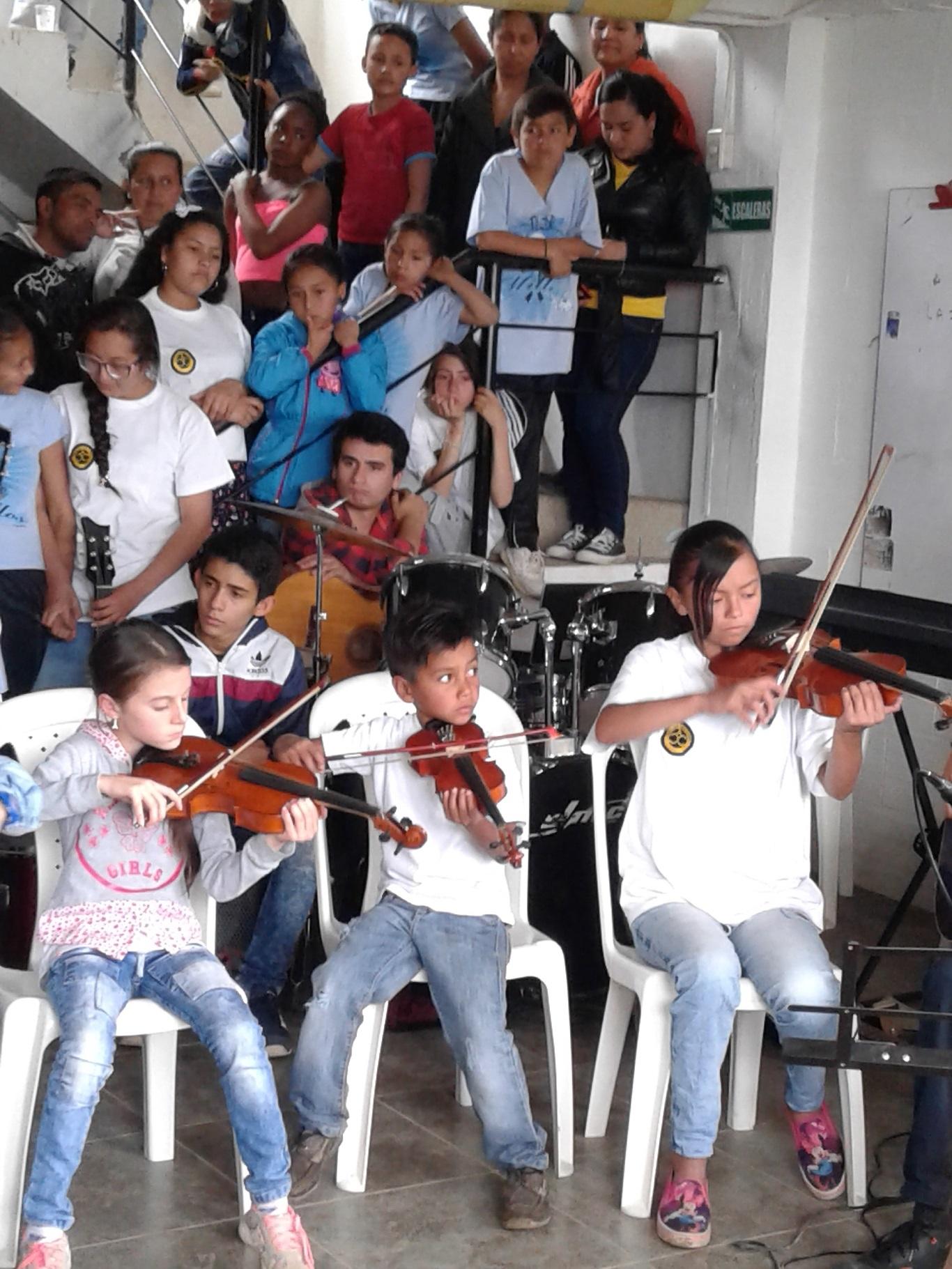 Auxiliadoras Colombia 200